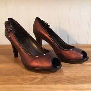Bandolino Metallic Leather Peep Toe Heels (6.5M)